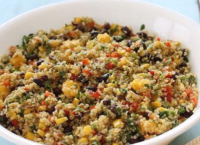 Mangós babos quinoa saláta